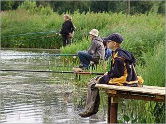 ребята едут на рыбалку