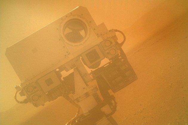 NASA разрешило марсоходу стрелять лазером