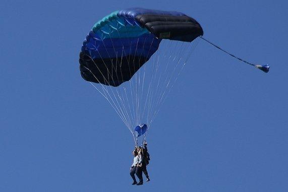 Цена свободного падения: как прыгнуть с парашютом?