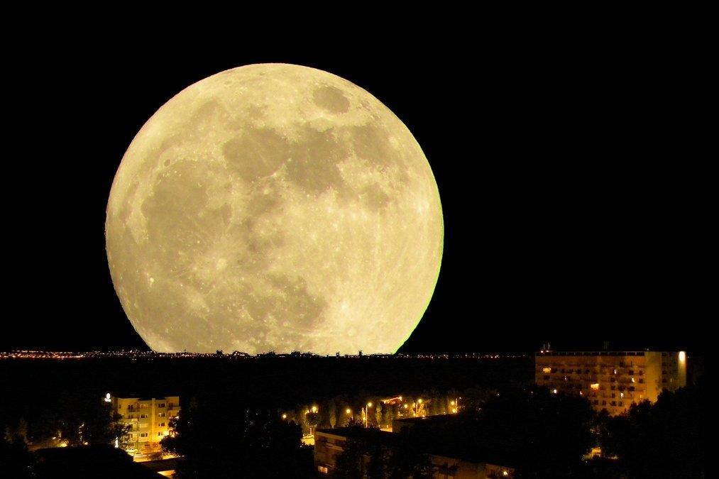 Как выглядела луна в начале декабря фото
