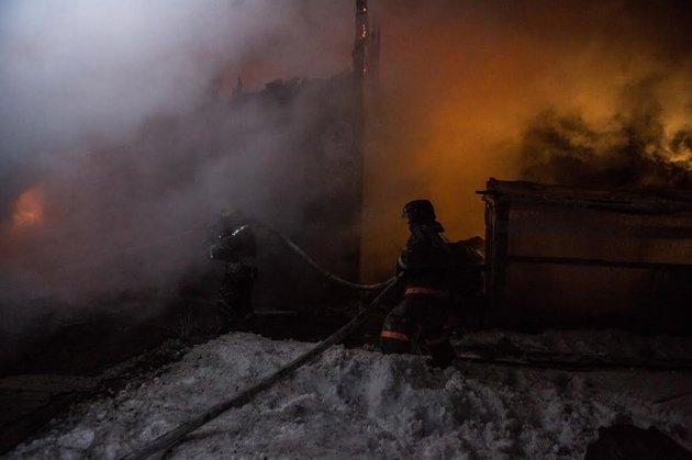 Многодетную семью спасли отпожара вНовосибирске