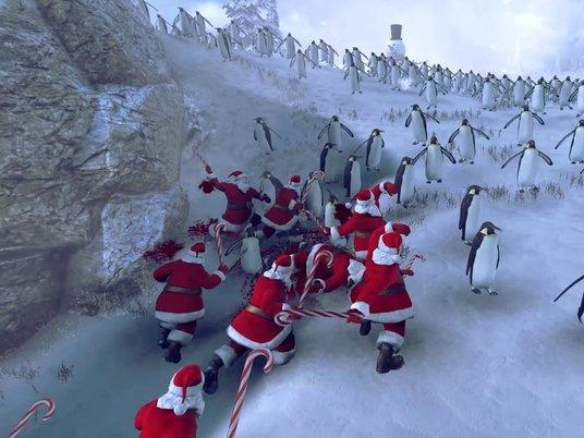 Эпическая битва Санта-Клаусов и пингвинов попала на видео