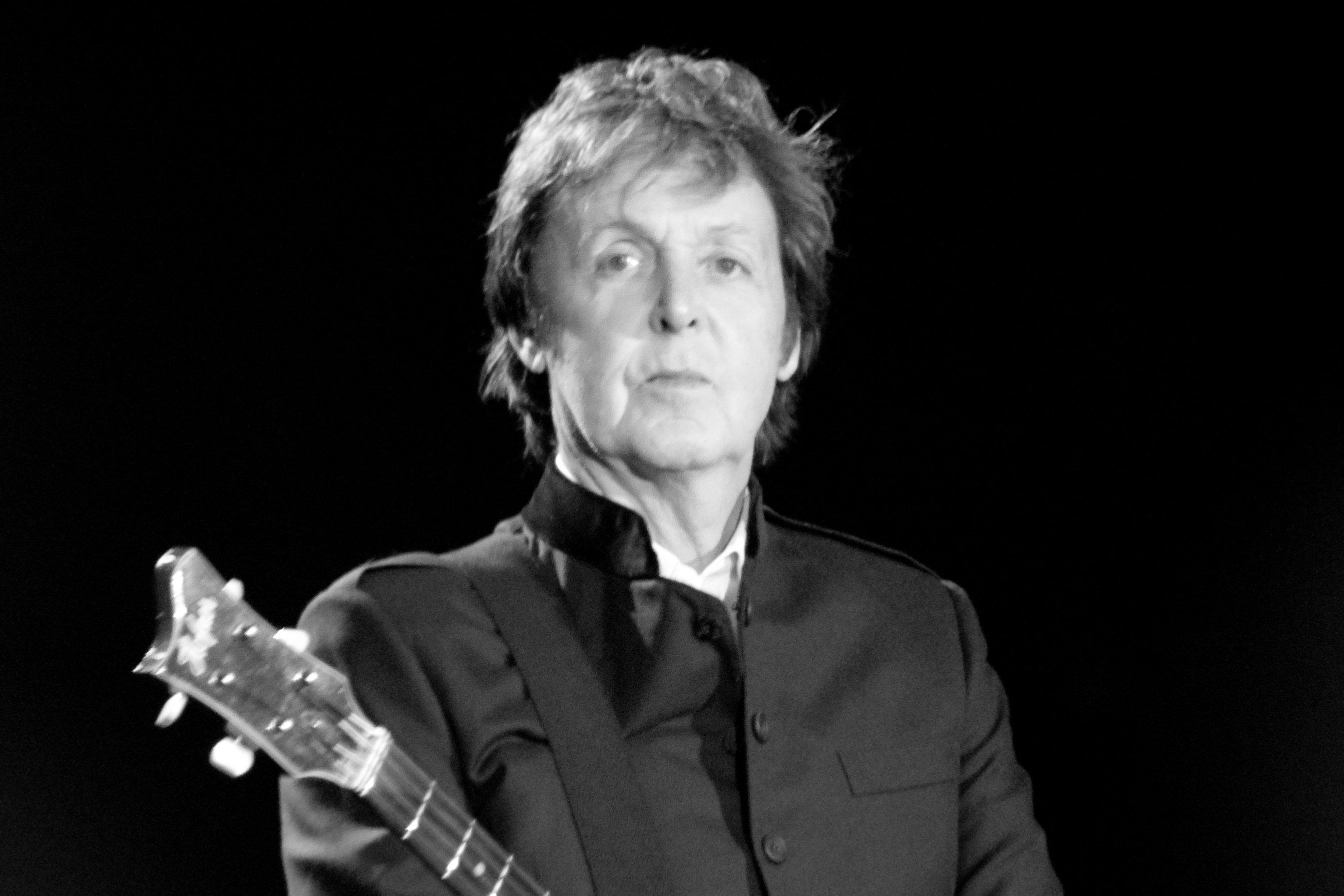 Пол Маккартни подал в суд из-за песен The Beatles