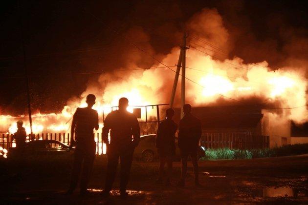 СКР начал проверку после погибели семьи при пожаре вНовосибирской области