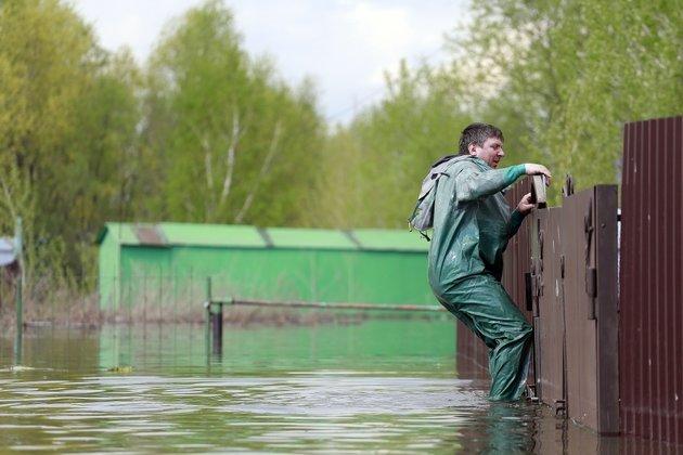 Огромная  вода пришла надесятки новосибирских дач