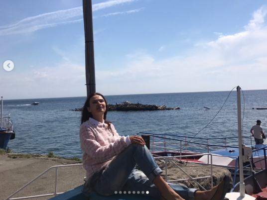 Эвелина Бледанс прокатилась по Байкалу