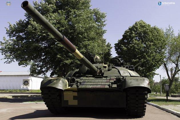 Порошенко похвастался танком Т-72 с«Ножом»