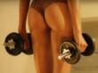 Модель разделась и устроила сексуальную тренировку