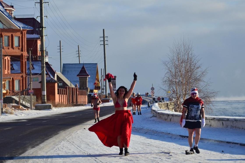 Новогодняя пробежка в купальниках пройдет на Байкале