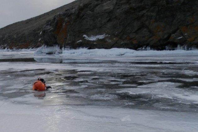Двое детей умерли, провалившись под лед в Костанайской области