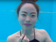 Бьюти-блогеры научились делать макияж под водой