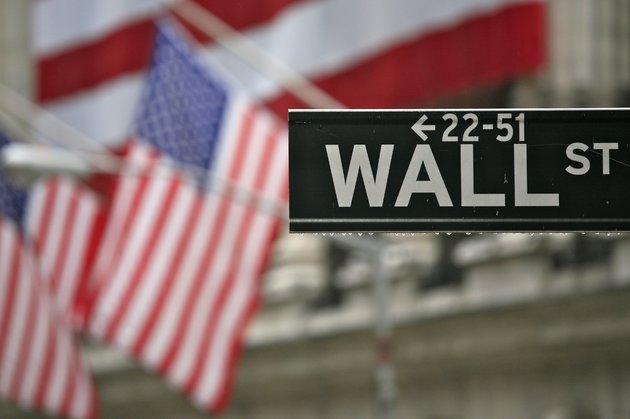 Фондовый рынок США немного потеряет на открытии на фоне снижения цен на нефть