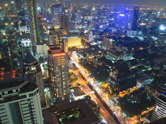 Как уехать в Бангкок и начать сниматься в блокбастерах