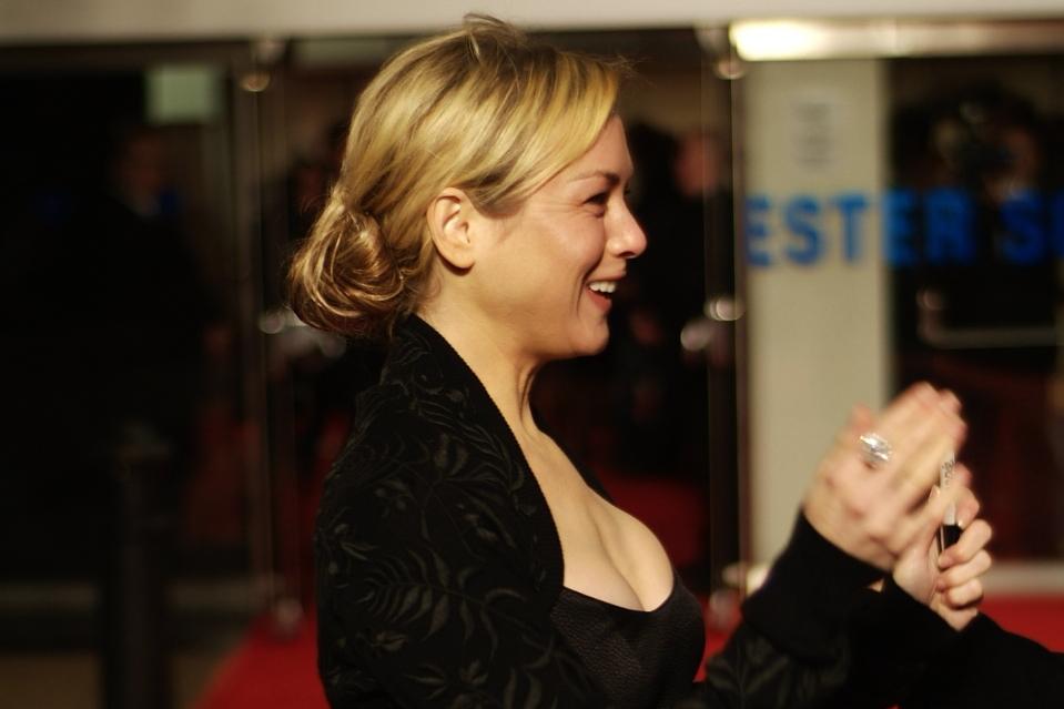 Актриса Рене Зеллвегер изменилась до неузнаваемости