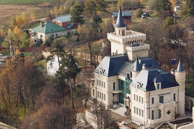 Прокуратура измерит особняк Галкина и Пугачевой