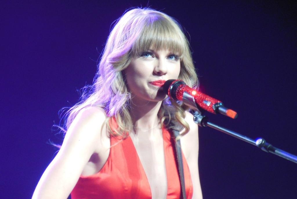 Новая песня Тейлор Свифт выйдет до конца недели