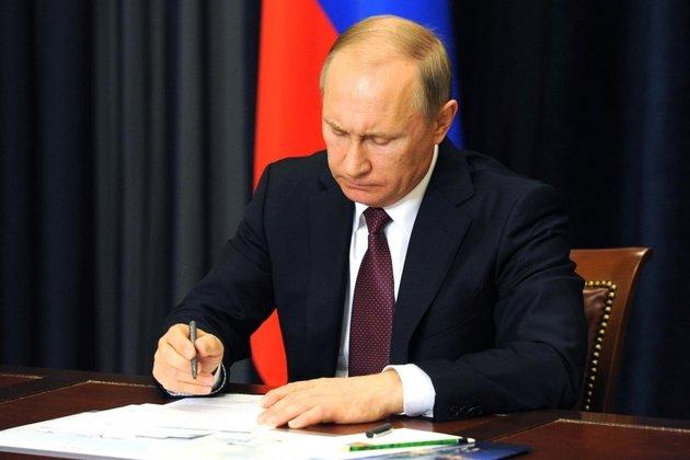 Путин подписал закон оповышении налогов длябогатых