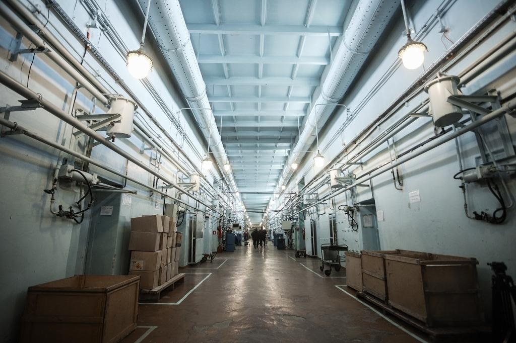 Цех под производству детонирующего шнура на заводе